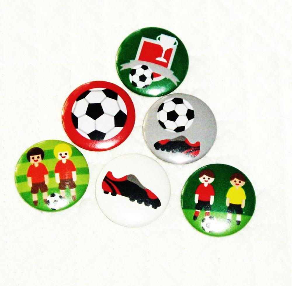 Magnets, Fridge magnets - Football - 6 fridge magnets